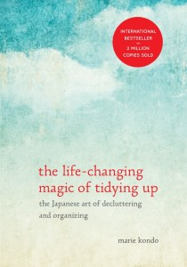 The-Life-Changing-Magic-of-Tidying-Up-718x1024